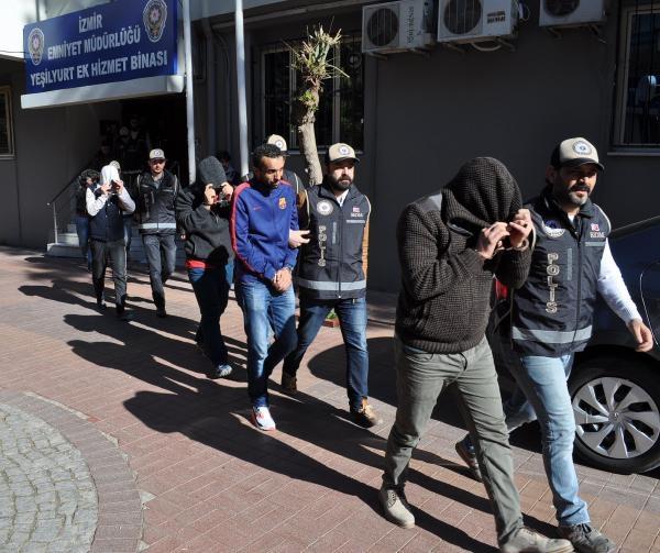 Polis 6 şehirde eş zamanlı operasyon yaptı