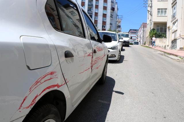 10 araca çarpan kamyonet sürücüsü, kayıplara karıştı
