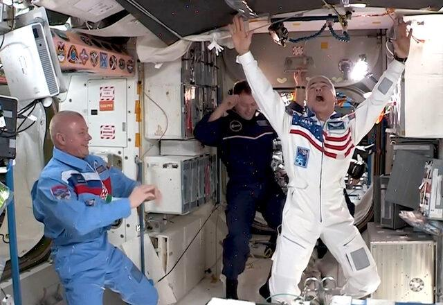 uluslararasi-uzay-istasyonunda-uzay-oyunlari-duzenlendi