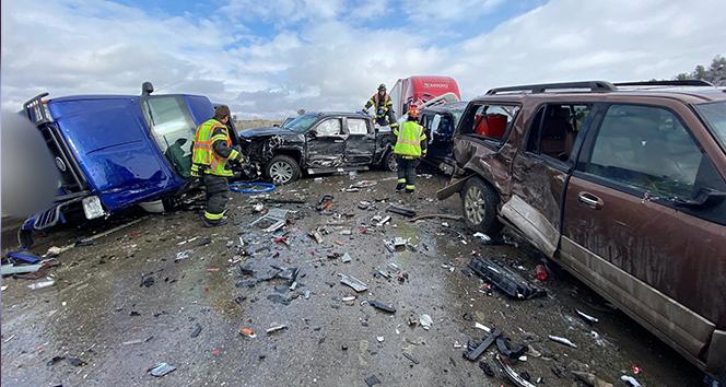 ABD'de 30'dan fazla araç birbirine girdi: 2 yaralı
