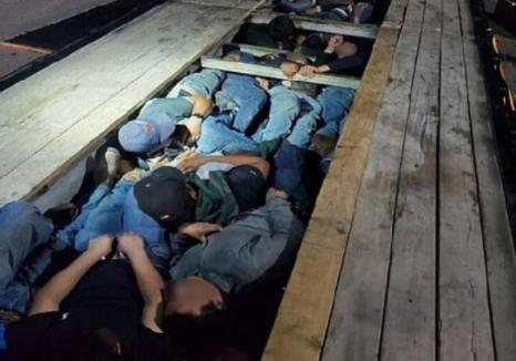 ABD-Meksika Sınırında Durdurulan Tırın Gizli Bölmesinden 20 Göçmen Çıktı