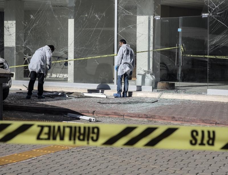 Adana'da bombalı saldırı: 2 kişi hayatını kaybetti