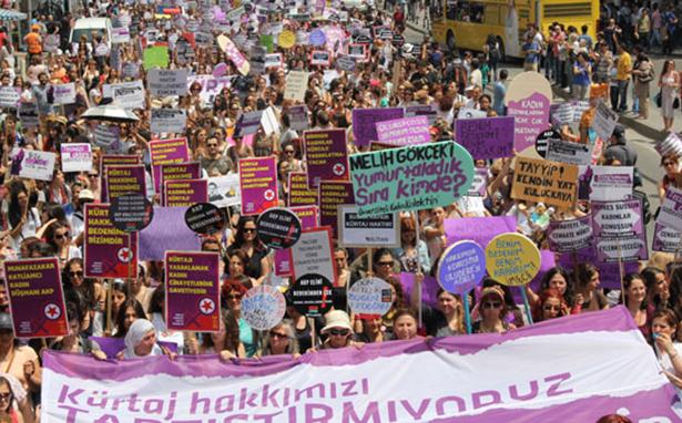Akdağ'ın sezeryan açıklamasına kadınlardan cevap: Hayatımız bizimdir