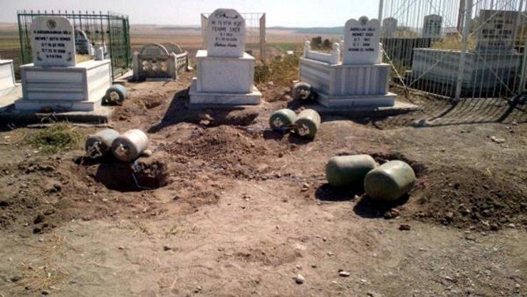 AKP'li Mehdi Eker'in aile mezarlığında 640 kilo patlayıcı bulundu