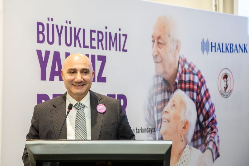 Alzheimer farkındalığı için Halkbank çalışanları el ele