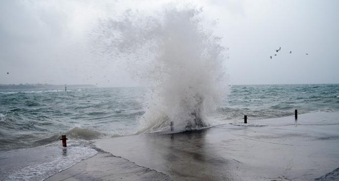 Antalya'da şiddetli fırtına uyarısı