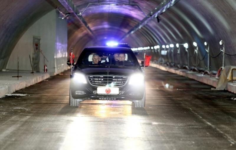 Cumhurbaşkanı Erdoğan Avrasya Tüneli'nden makam aracıyla geçti