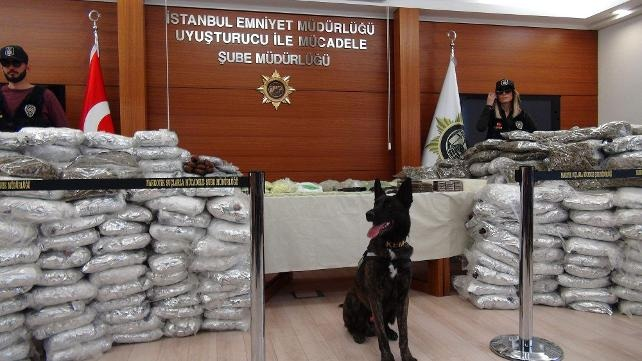 Başakşehir'de lüks rezidansta milyonluk uyuşturucu ele geçirildi