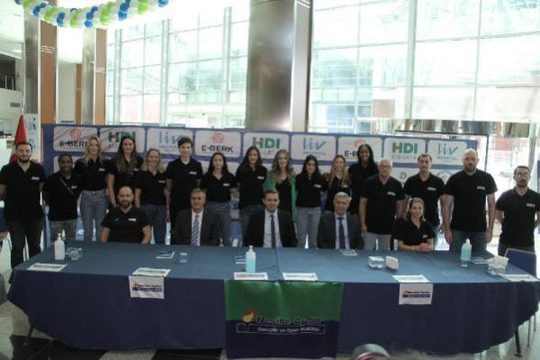 Basketbol Kadın Takımı öğrencileri ile Nesibe Aydın buluştu