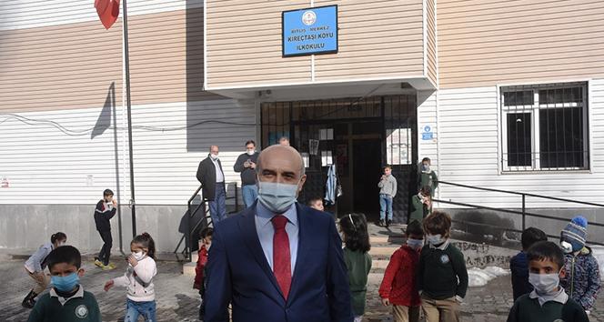 Bitlis'te 447 köy okulunda yüz yüze eğitim başladı