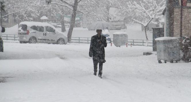 Bu illerde yaşayanlar dikkat! Meteoroloji'den yoğun kar uyarısı!