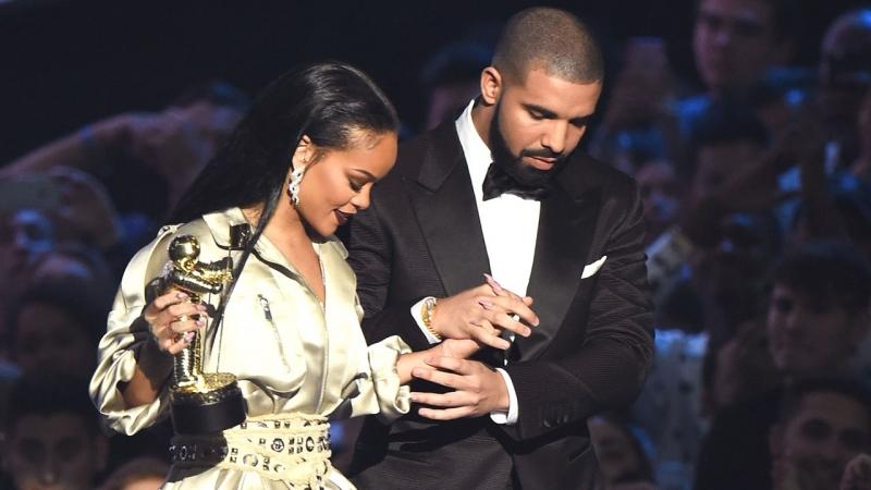 Büyük aşk bitti: Rihanna ve Drake ayrıldı