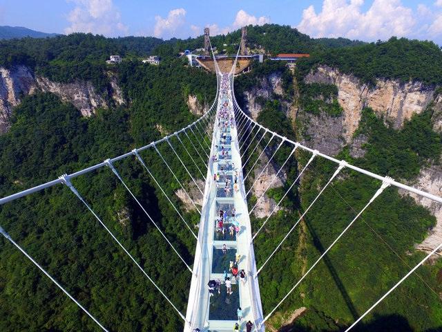 Cam köprü 2 haftada kapandı