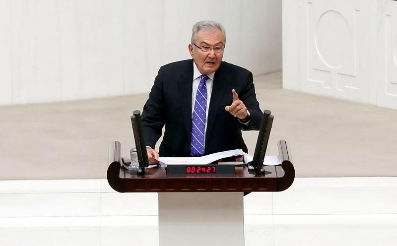 CHP'li Baykal: 'Dışarıda OHAL, Meclis'te sıkıyönetim'