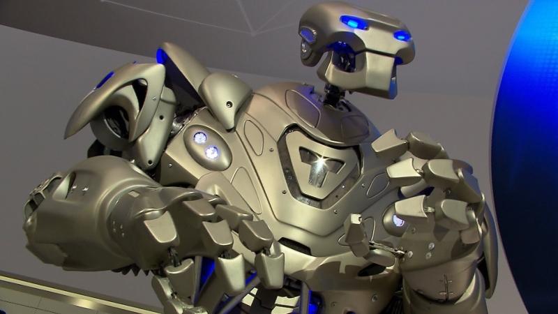 Dünyanın en pahalı Robotu, TİTAN
