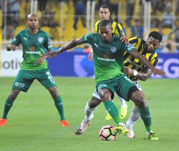 Fenerbahçe-Bursaspor maçının galibi yeşil-beyazlılar oldu!