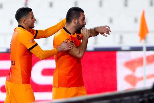Galatasaray, Arda Turan'ın Sözleşmesini Opsiyonu Beklemeden Uzatacak