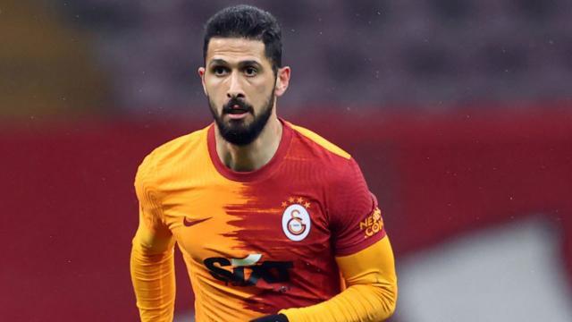 Galatasaray'da Emre Akbaba ile yollar ayrıldı