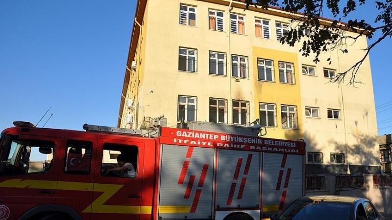 Gaziantep'te okula saldırdılar!