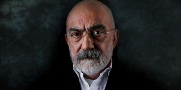 Hakkında yakalama kararı bulunan Ahmet Altan gözaltında!