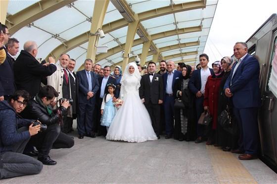 Haliç Metrosu'nda ilk nikah