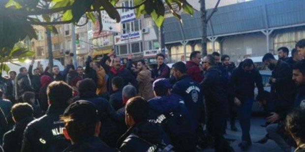 HDP'lilerin Şişli'deki eylemine saldırı