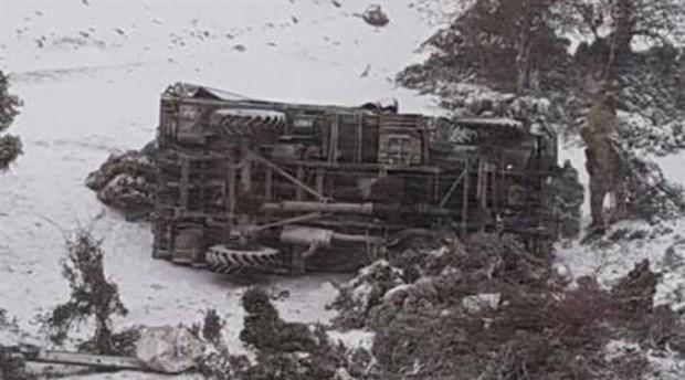 Isparta'da askeri araç devrildi!