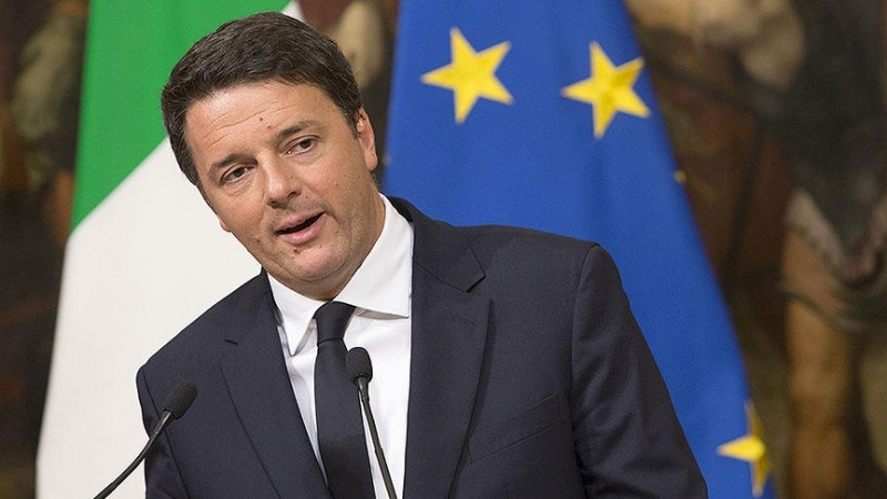 İtalya'da Başbakan Renzi istifa etti