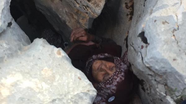 Kayalıklar Arasında Sıkışan Kadın Hayatını Kaybetti