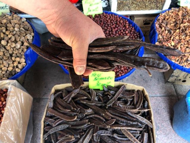 Keçiboynuzunun fiyatı yüzde 100 arttı! 15 liraya satılırken fiyatı 30 liraya çıktı.