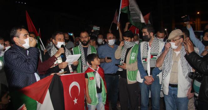 Kilis'te yaşayan Filistinliler İsrail'i protesto etti
