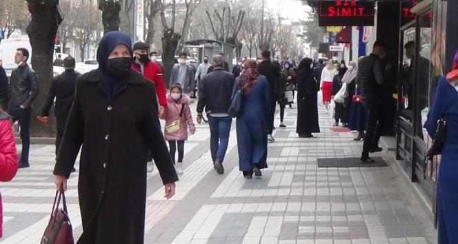 Mavinin zor olduğu Bursa'da ufukta kırmızı görünüyor