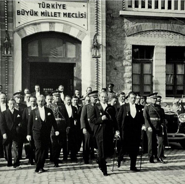 Mustafa Kemal Atatürk'ün 28 Ekim akşamı verdiği müjde