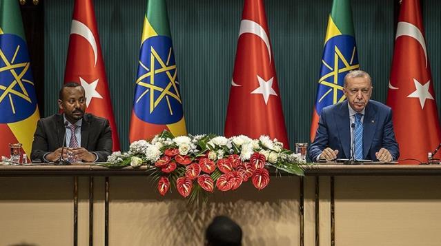 Ortak basın toplantısında sansür! Atatürk'ün ismini söylemeyen tercümana bir daha görev verilmeyecek