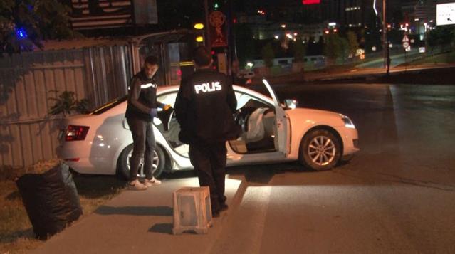 Polislerden Kaçan Alkollü Sürücü Bekçilere Çarptı