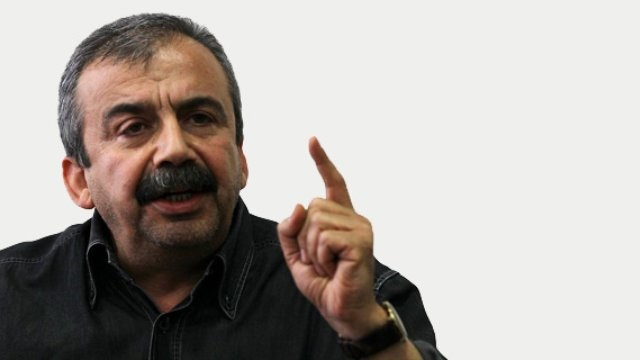 Sırrı Süreyya Önder: Anayasa görüşmeleri yapılamaz