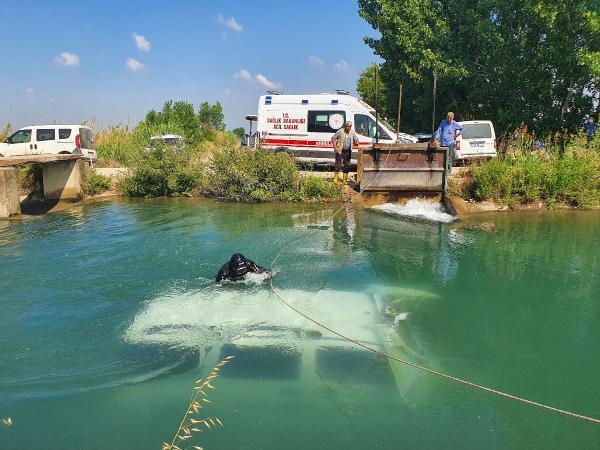 Su kanalına düşen aracın içindeki gençlerin cansız bedenleri kilometrelerce ötede bulundu