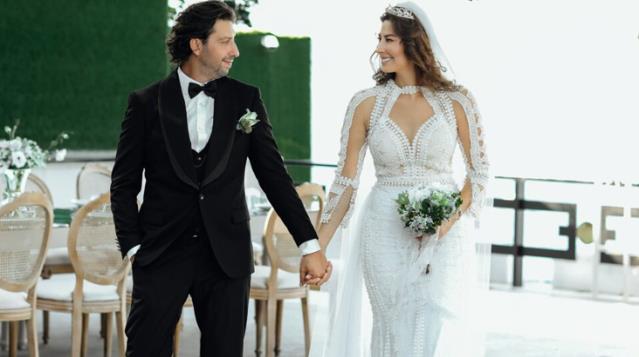 Tarık Soner ile nikah masasına oturan manken Şenay Akay, güzelliğiyle hayran bıraktı