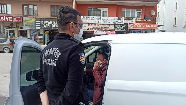 Telefonu İle Konuşan Şoför Uyarıdan Sonra Telefonunu Kapattı