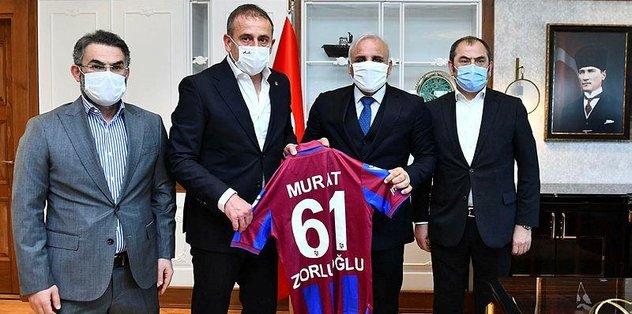 Trabzonspor Teknik Direktörü Avcı'dan Trabzon Büyükşehir Belediye Başkanı Murat Zorluoğlu'na ziyaret