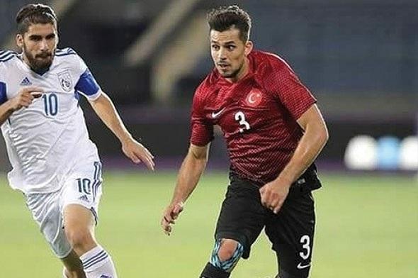 Hollanda Türk futbolcuyu konuşuyor