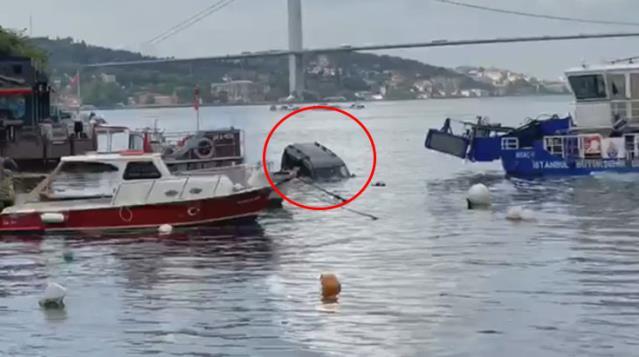 Üsküdar'da Bir Araç Denize Düştü