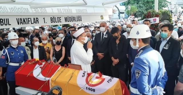 Ferhan Şensoy'un cenazesinde gerginlik çıkaran alkollü şahıslara, para cezası verildi