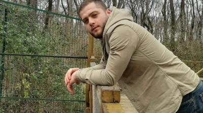 Askerden Gelen Genç Evinin Önünde Vurularak Öldürüldü