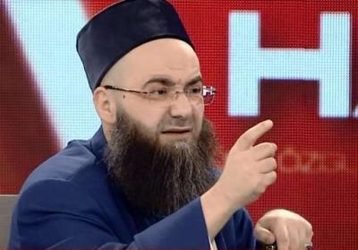 Atatürk'e cübbeli Ahmet hoca sahip çıktı..!