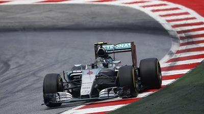 Azerbaycan'da kazanan Rosberg