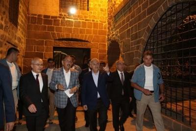 Başbakan Yıldırım'dan Sur'a ziyaret!