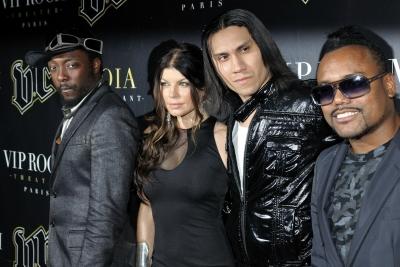 Black Eyed Peas Aylan ve Ümran'ı unutmadı