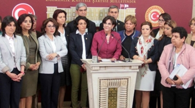 CHP'li kadın vekillerden 'Anayasa'ya hayır kampanyası'