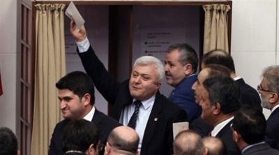 CHP'li vekil: AKP'li vekil açık oy kullanmamı istedi